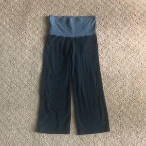 Wide leg capri leggings